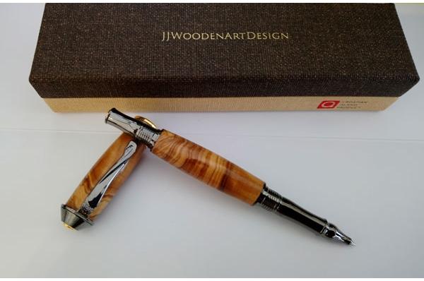 kemijska olovka od maslinova drva, pozlaćena /  Olive Wood Pen, gilded                           novo drvo + pozlata 22 karata
