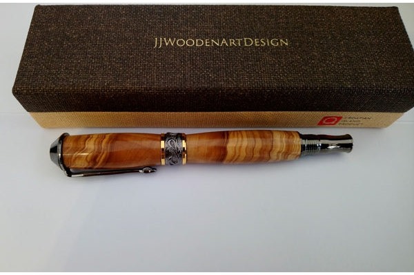 kemijska olovka od maslinova drva, pozlaćena /  Olive Wood Pen, gilded