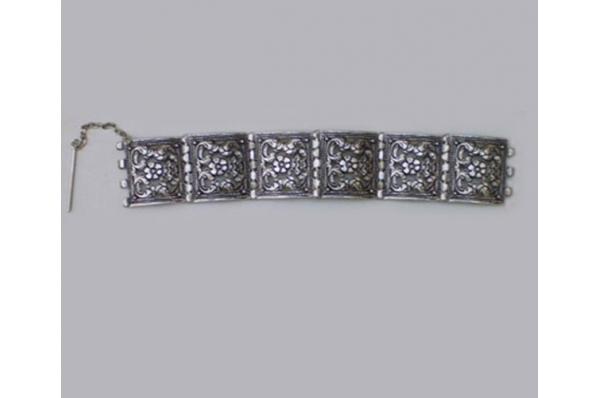 replika bosanskih belenzuka /  Braclet (belenzuke) , replica