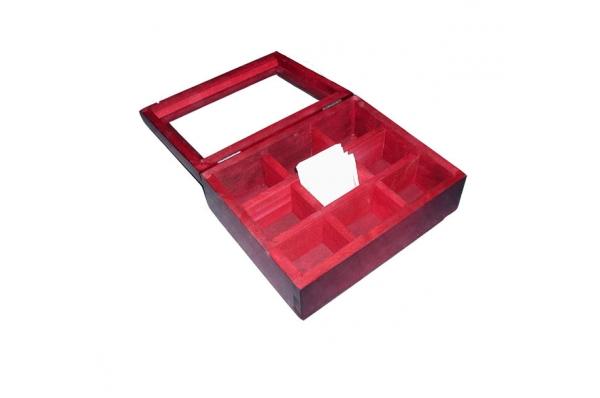 obojena drvena kutija, stakleni poklopac / Colored wooden box, glass cover
