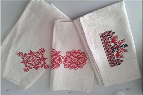 vezeni tabletići, tradicijski motivi /Embroidered flax decoration