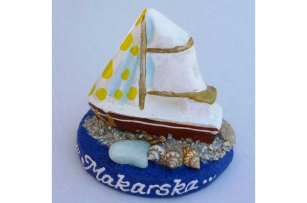keramička figurica,brodić