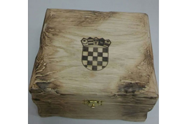 drvena kutija antiq / antiq box