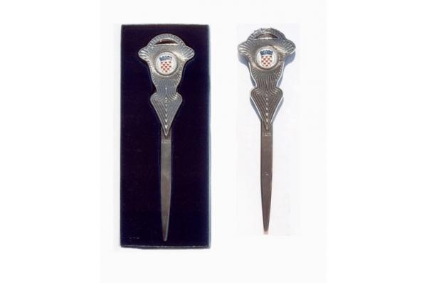 otvarač za pisma, plava kutija / Metal letter opener, coat of arms