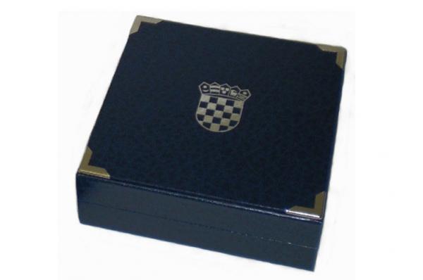 kutija za vučedolsku jarebicu/ the box for vucedol dove