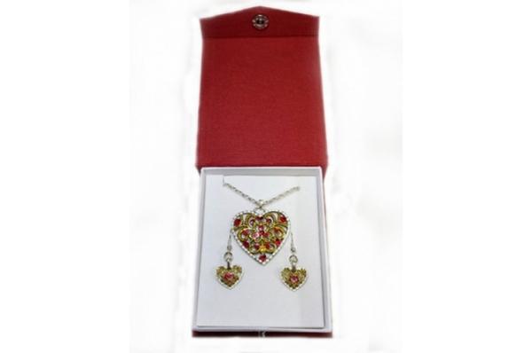 komplet naušnice i ogrlica /Jewelry-necklace and earrings