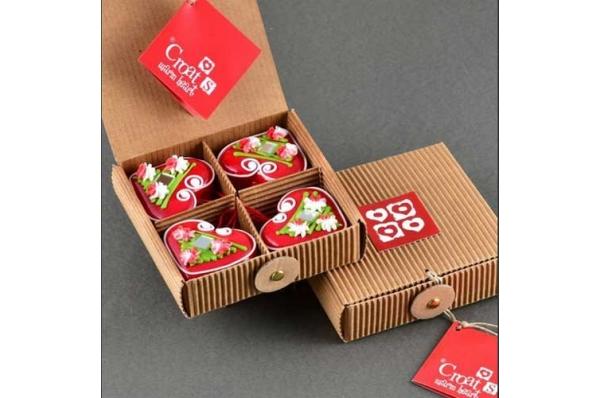 4 crvena licitara u kutiji /Four red licitars