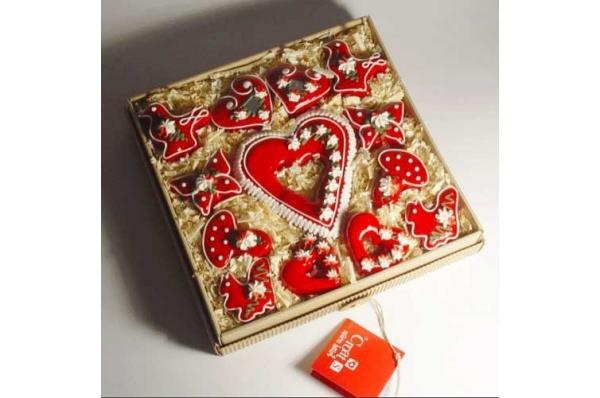 licitar, radost i veselje Božića /Licitar gift, the joy of Christmas
