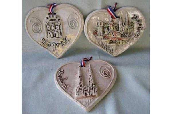 ukrasni keramički reljef -srce / Decorative relief plate - hearth
