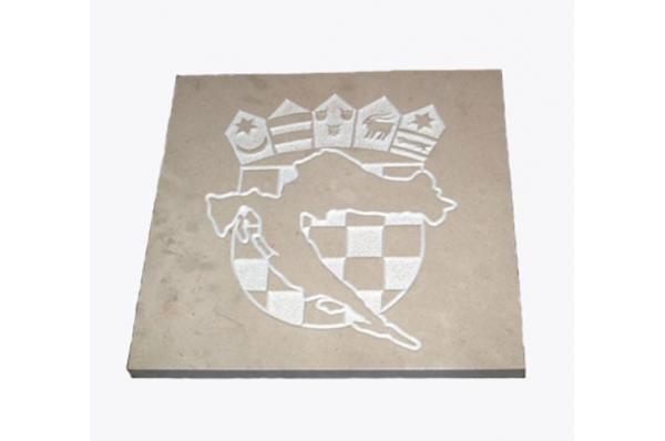 HR grb+karta na ploći, brački kamen / Croatian Coat of Arms on Brac stone plate