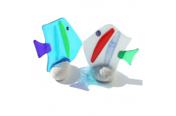 murano mala ribica na kamenu / small murano Fish on a stone