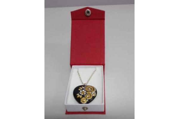 nakit-ogrlica sa srcem / necklace-black heart