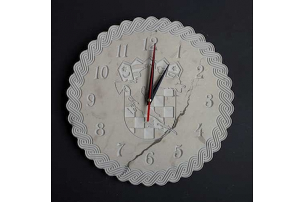 okrugli sat od bračkog kamena / Round wall clock, Brac stone