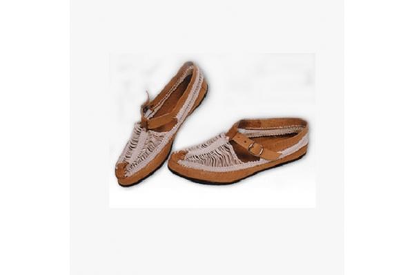 oputnjaši, Dinara i Hercegovina /Traditional footwear - oputnjaši (Dinara, Herzegovina)