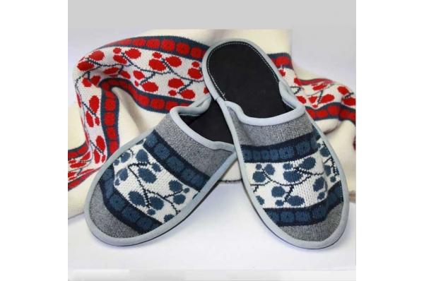 kućne papuče-bečaruše / Slippers- becaruse (slavonian motif)