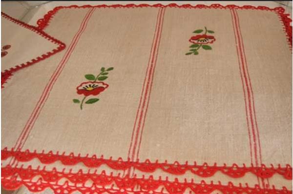 laneni ukrasi, ručno vezeni /Embroidered Flax Decoration for the table