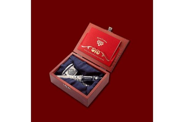 otvarač za pisma, u kutiji /Metal letter opener, in a box