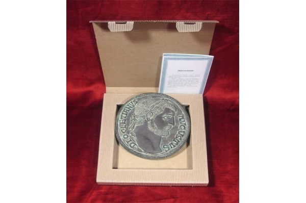 rimski novčić s likom diokelcijana/ Roman Coin With a Figure of Diocletian, replica