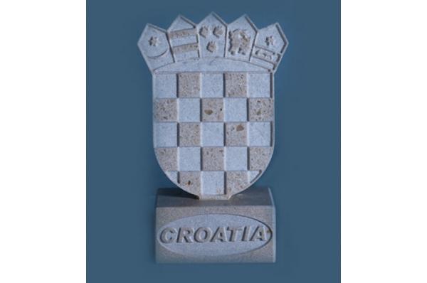 hrvatski grb na postolju, brački kame / Croatian Coat of Arms on stand, Brac stone