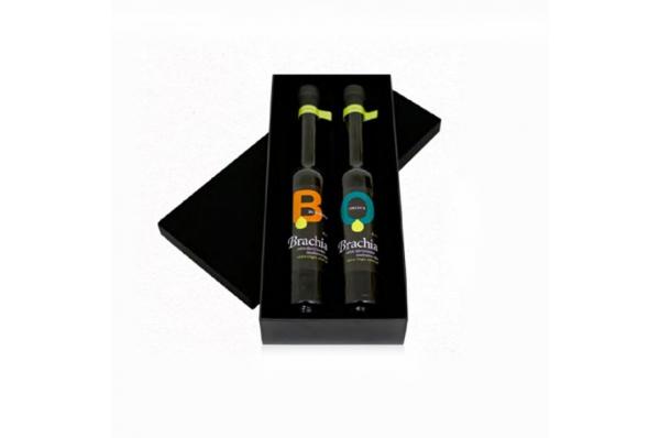 2 sortna maslinova ulja u kutiji / Olive Oil package,  two kinds of oil