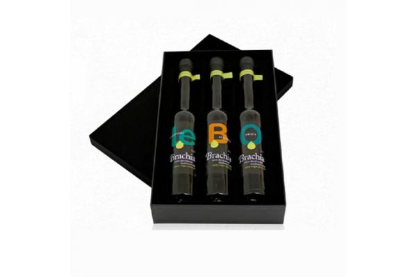 3 sortna maslinova ulja u kutiji / Olive Oil package,  three kinds of oil