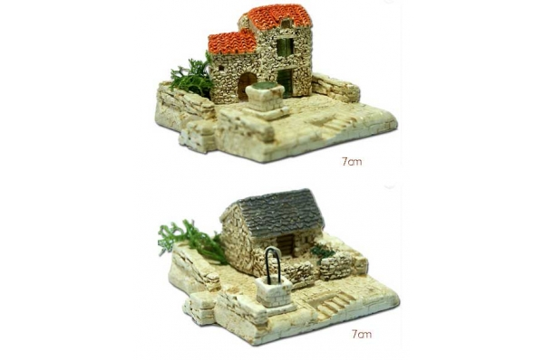 kućice s postoljem minijatura 7cm /Stone houses, miniature 7cm